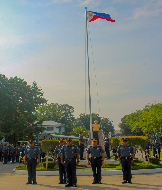 RAISED OUR FLAG WITH PRIDE AND DIGNITY: Police Regional Office 6 (PRO6) personnel joins the nation in commemorating the National Flag Day this morning of May 28, 2019 at Camp Gen. Martin Teofilo B Delgado, Fort San Pedro, Iloilo City. (photo by: RPIO/PRO6)